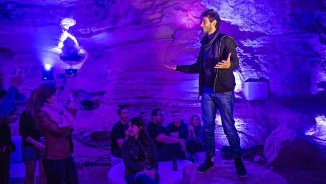 """Zedd ha organizzato un party esclusivo in una caverna per presentare il nuovo album """"True Colors"""""""