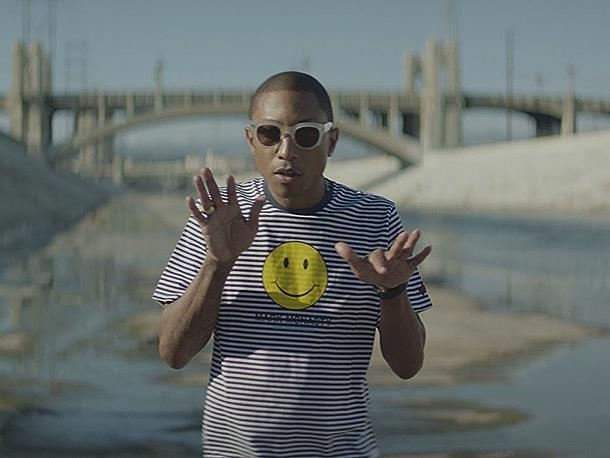 Pharrell nel video di Happy