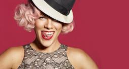 Pink con la lingua da fouri