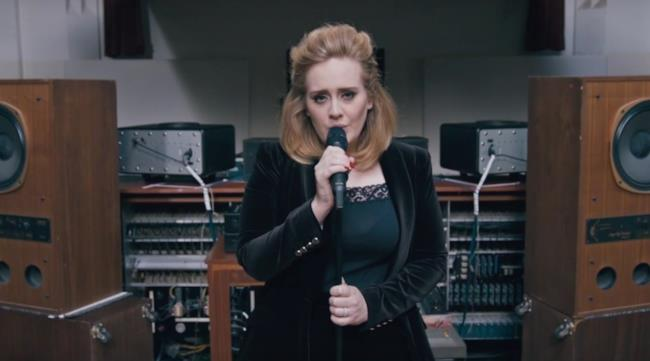 Adele nel video When We Were Young (Live at The Church)