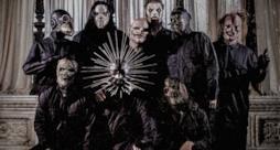 La band Slipknot con maschere che fanno paura