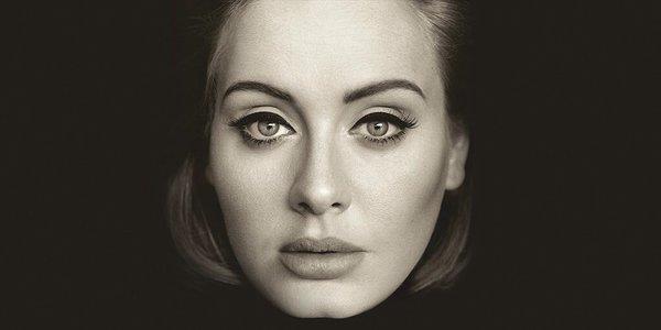 Adele sulla copertina dell'album 25