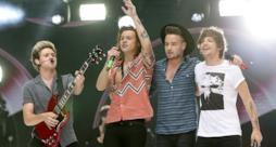 One Direction in 4 sul palco dopo l'addio di Zayn Malik