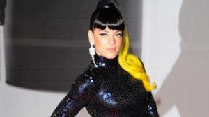 Lily Allen con capelli gialli