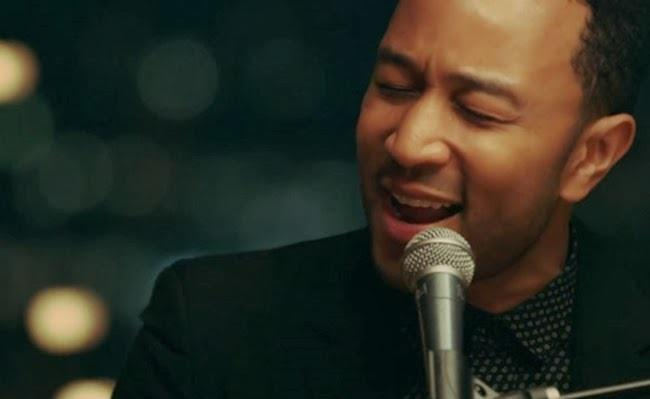 John Legend nel video di All of Me