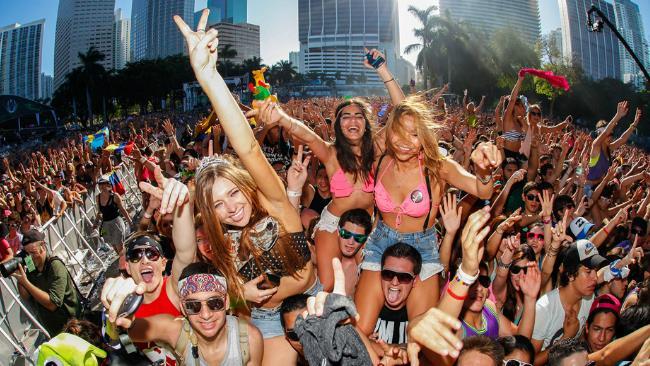 Un'indagine di mercato peer vedere quanto effettivamente costa partecipare al Tomorrowland