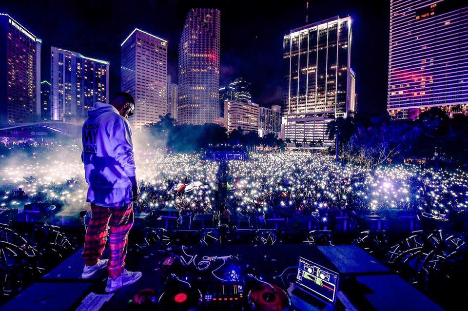Dj Snake nel closing set dell'Ultra Music Festival