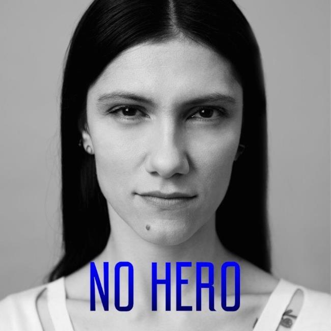 cover No Hero Elisa