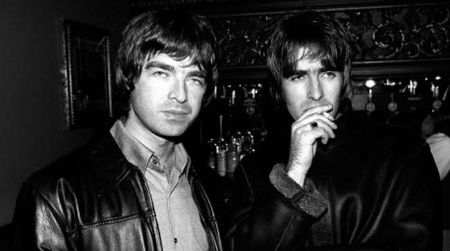 Liam Gallagher nel backstage da Noel, pace fatta tra gli Oasis?