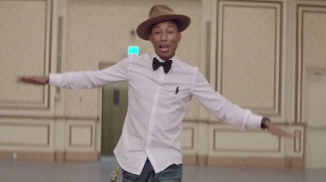 Pharrell nel video di Happy