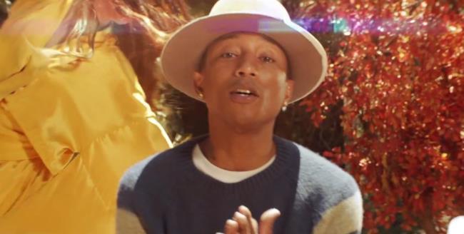 Pharrell Williams nel videoclip Gust of Wind