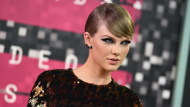 Taylor Swift agli MTV Video Awards 2015
