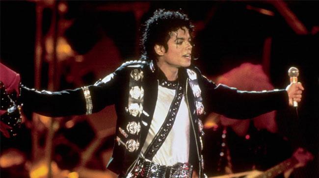 Michael Jackson si esibisce sul palco
