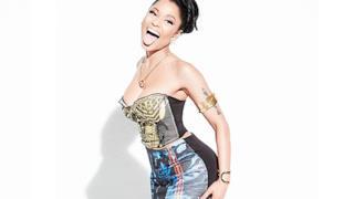 Nicki Minaj con lingua da fuori