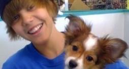 Justin Bieber abbraccia il suo cane Sammy