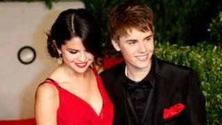 Kids Choice Awards 2011, vincono le baby star Justin Bieber e Selena Gomez