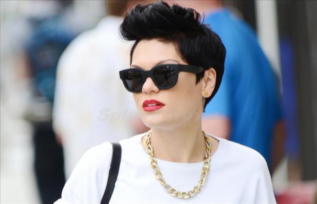 La popstar inglese Jessie J
