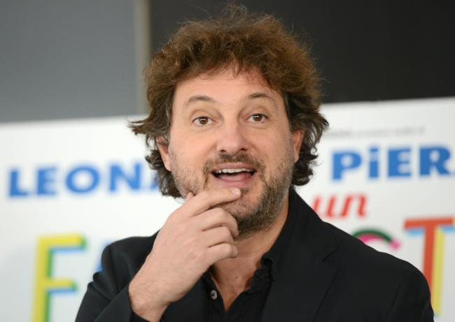Leonardo Pieraccioni in primo piano.