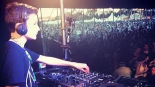 A soli 11 anni Black Summer è già un DJ affermato dopo aver partecipato al Groovin The Moo festival