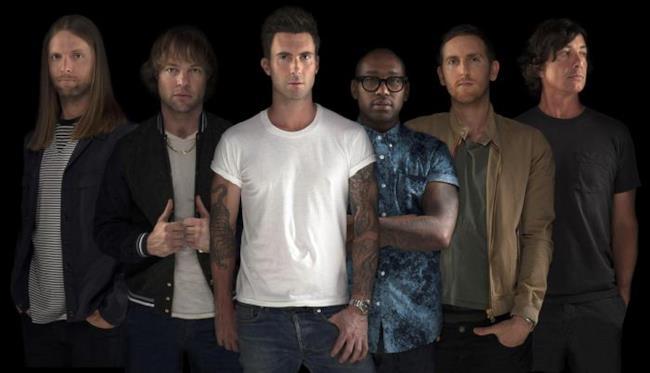 I sei componenti dei Maroon 5 con il ritorno di di Jesse Carmichael