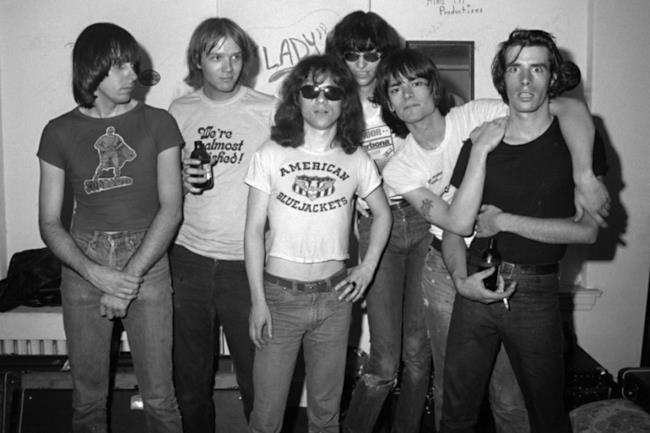 I Ramones al gran completo