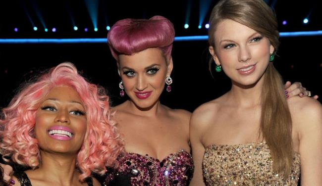 Nicki Minaj, Katy Perry e Taylor Swift fotografate insieme