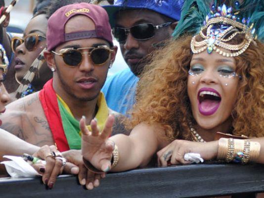 Rihanna e Lewis Hamilton insieme a Barbados al Grand Kadooment Day 2015