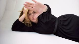 Classifica canzoni 18 novembre 2015, Adele la più venduta su iTunes