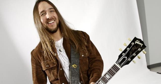 Il chitarrista Matt O'Ree