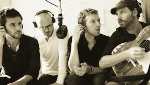 Una foto dei 4 membri dei Coldplay in bianco e nero