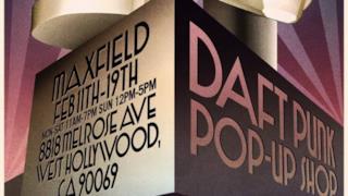 La locandina del temporary shop dei Daft Punk