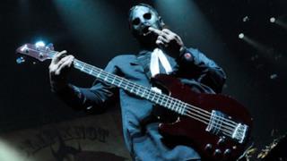 Medico accusato dell'omicidio del bassista degli Slipknot