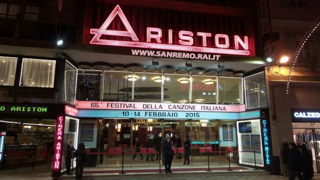 Sanremo 2015, l'entrata del Teatro Ariston