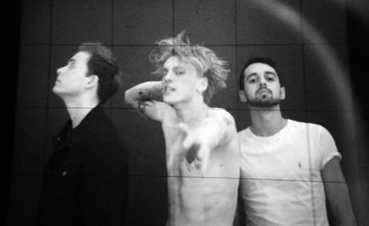 Counterfeit, la band di Jamie Campbell Bower