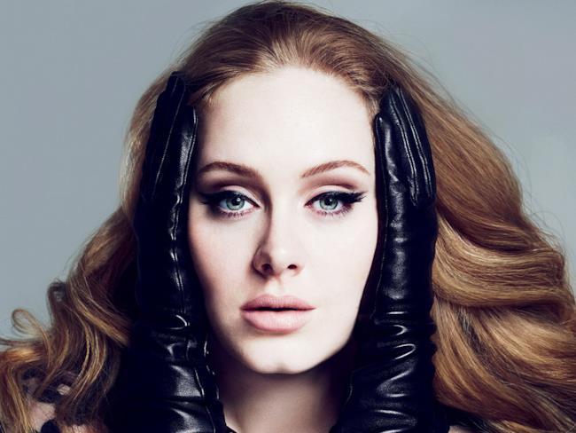 La cantautrice Adele.