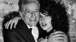 Lady Gaga e Tony Bennett abbracciati