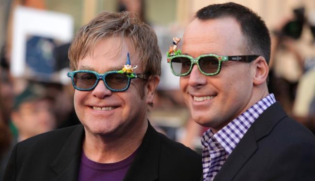 Elton John con il compagno David Furnish