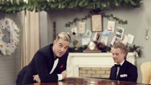 Robbie Williams: il video Dream A Little Dream senza Lily Allen, ma con tanto Natale