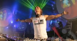 David Guetta durante F*** Me I'm Famous