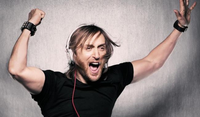 David Guetta con le cuffie Beats