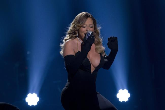 Mariah Carey live ai BET Honors