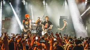 Fan in delirio per i 5 SOS all'iTunes Festival