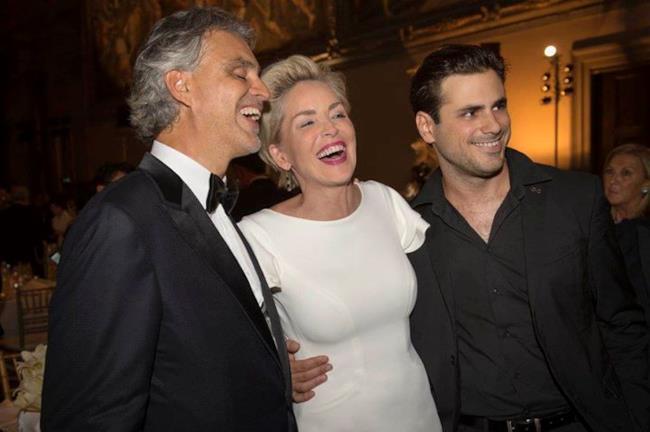 Andrea Bocelli in compagnia di Sharon Stone