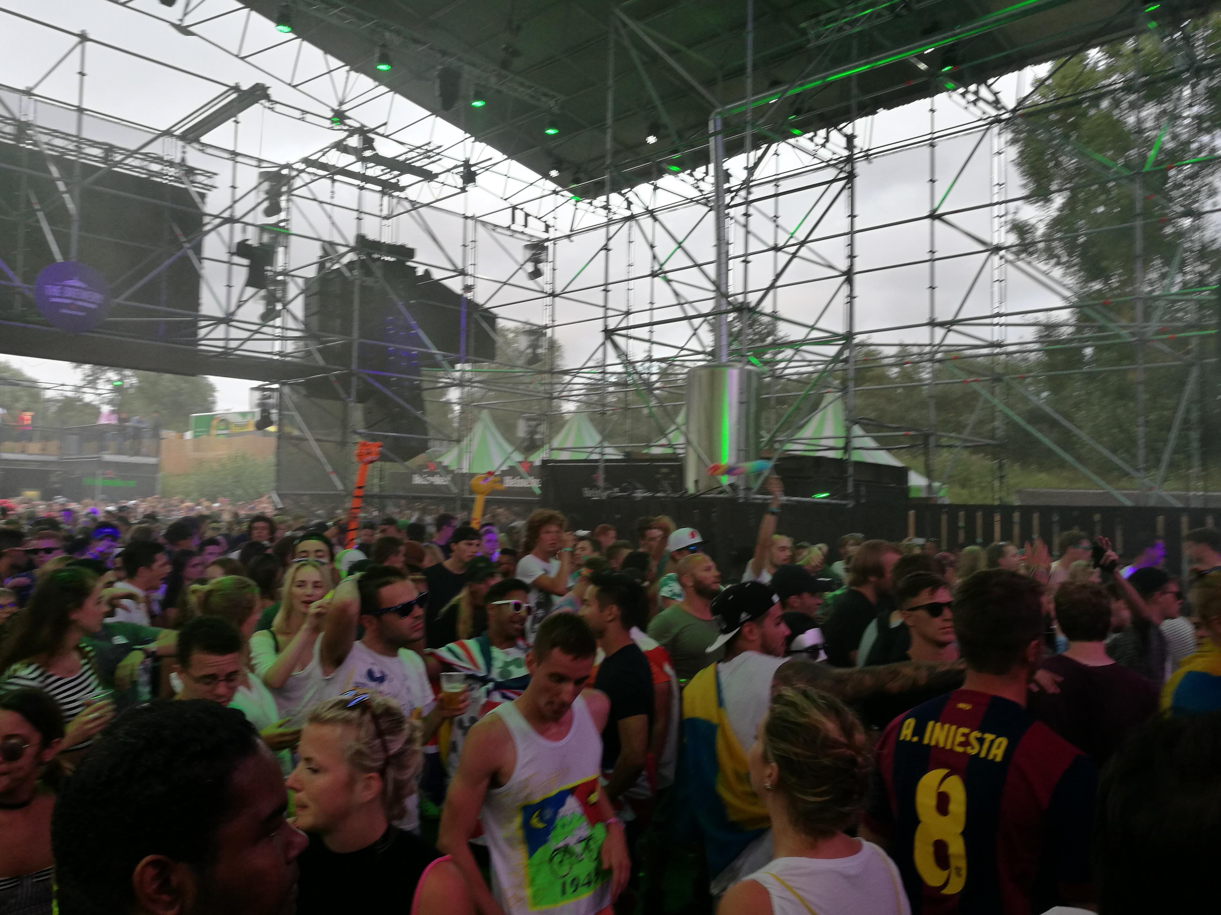 Heineken Stage durante il set di Atrak
