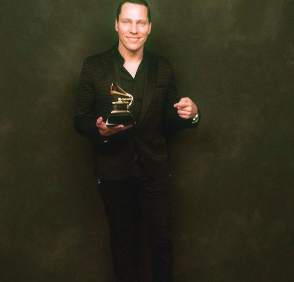 Tiesto ha ricevuto il suo primo Grammy in trent'anni di carriera, per il remix di