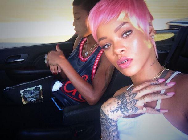 Capelli rosa di Rihanna