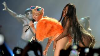 Miley Cyrus twerking al concerto di Monterrey in Messico