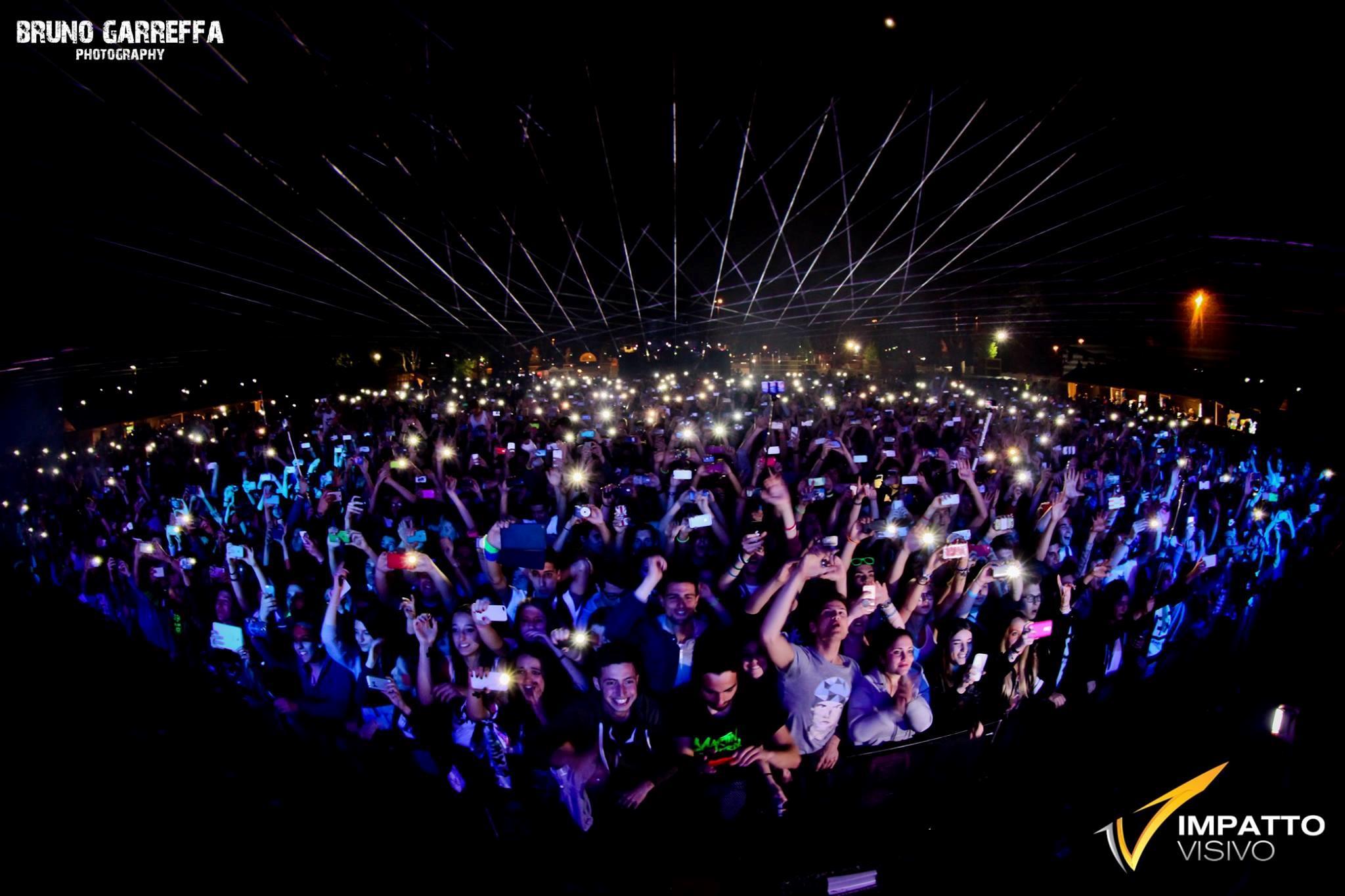 La risposta del pubblico all'arrivo di Martin Garrix è stata degna dei migliori eventi EDM al mondo