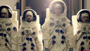 Imagine Dragons, On Top Of The World: il video tra hippie, astronauti e anni '60