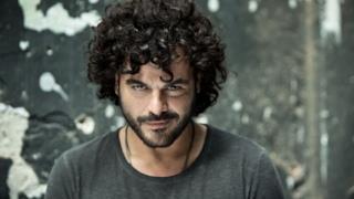 Francesco Renga sex symbol con barba curata